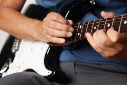 guitar pick technique for metal guitar players.jpg
