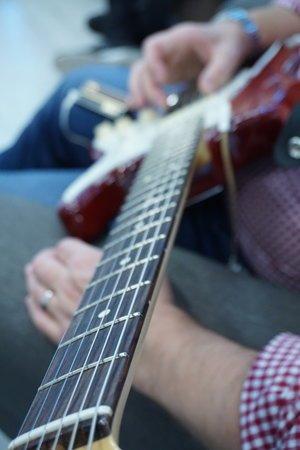 Right hand technique practising guitar